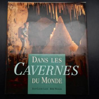 Dans Les Caverns du Monde - Product Image