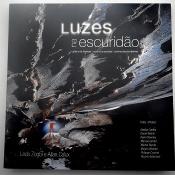 Luzes Na Escuridao (Lights In The Darkness) - Product Image
