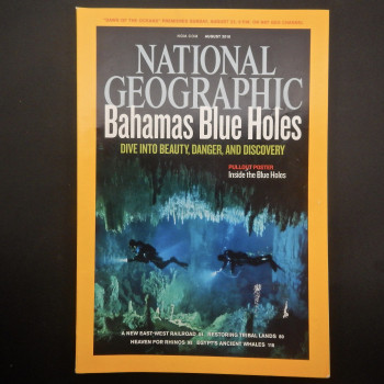 National Geographic August 2010, Bahamas Blue Holes with pull out poster - Product Image